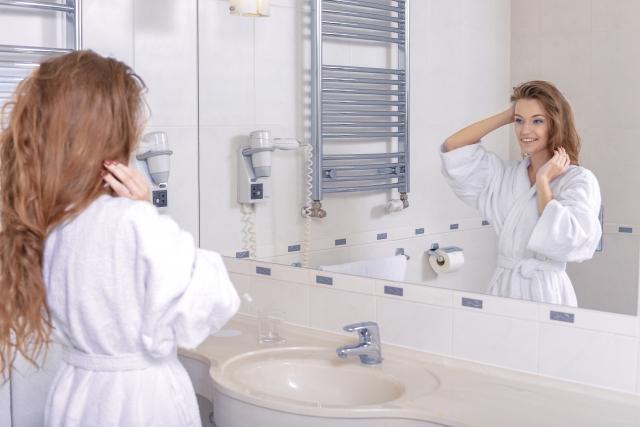 30代後半から女性ホルモンの関係で縮れ毛になったという声も!