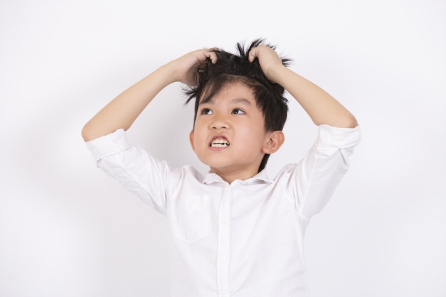 子供の頭皮に白いかさぶたが!原因は色々ある!
